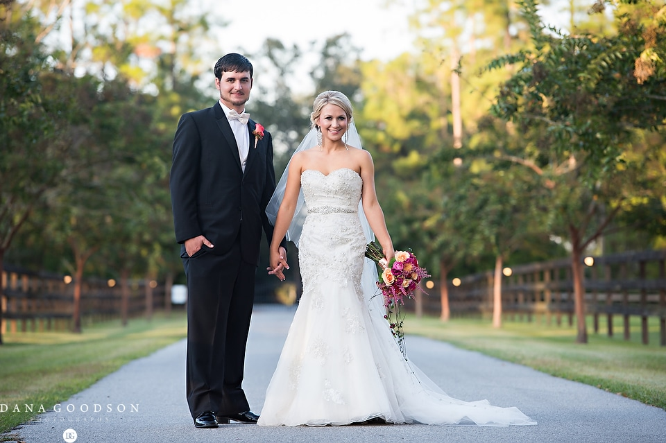 Horse Stamp Inn Wedding | Dana Goodson Photography 055