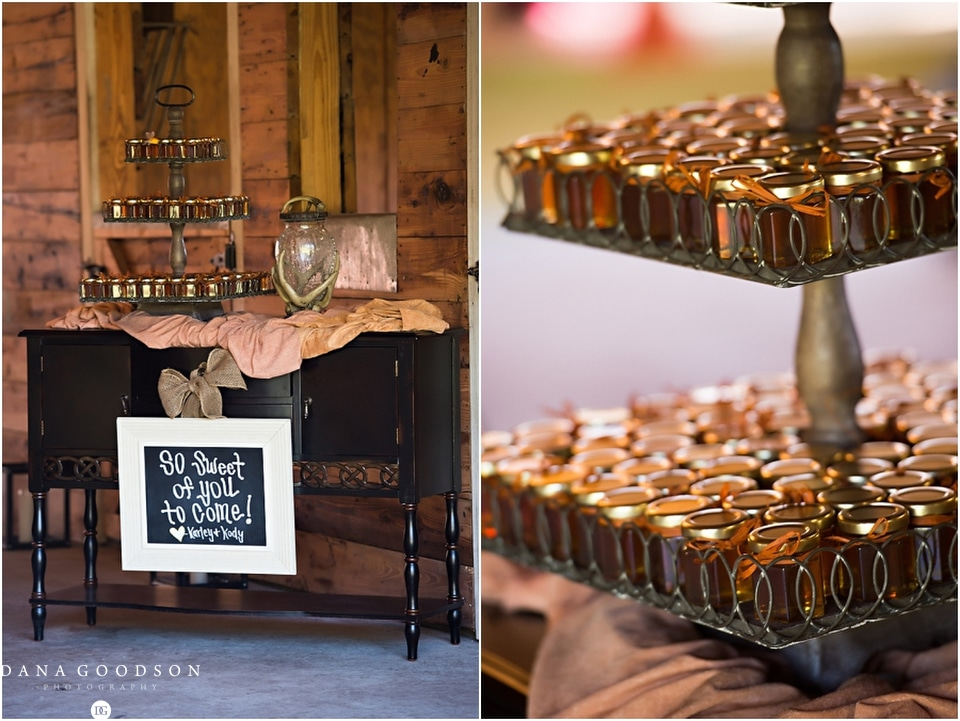 Horse Stamp Inn Wedding | Dana Goodson Photography 074