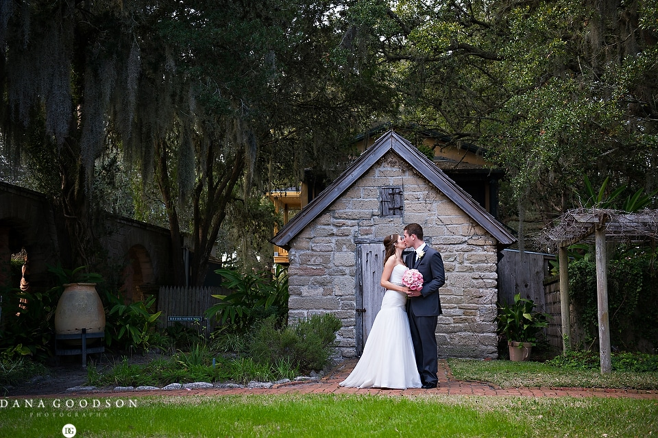 Oldest House Wedding_Jennifer & Brandon 056