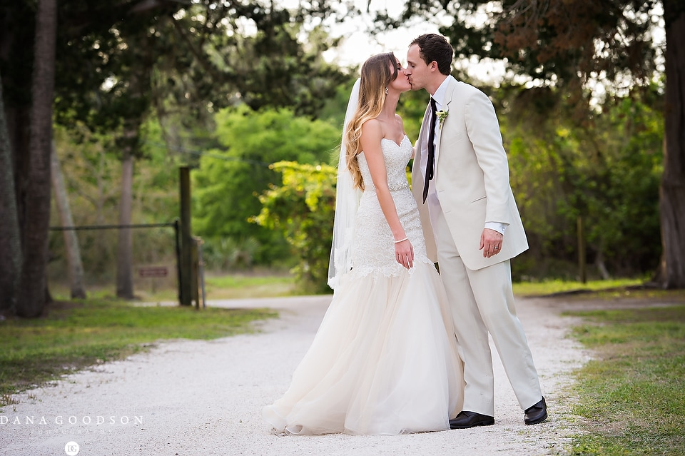 Ribault Club Wedding | Holly & Josh10071