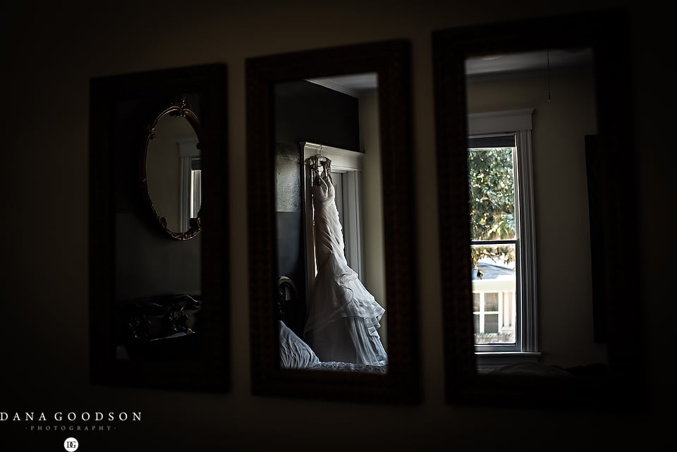 white room wedding | Caitlin & Steve | Dana Goodson Photography 002