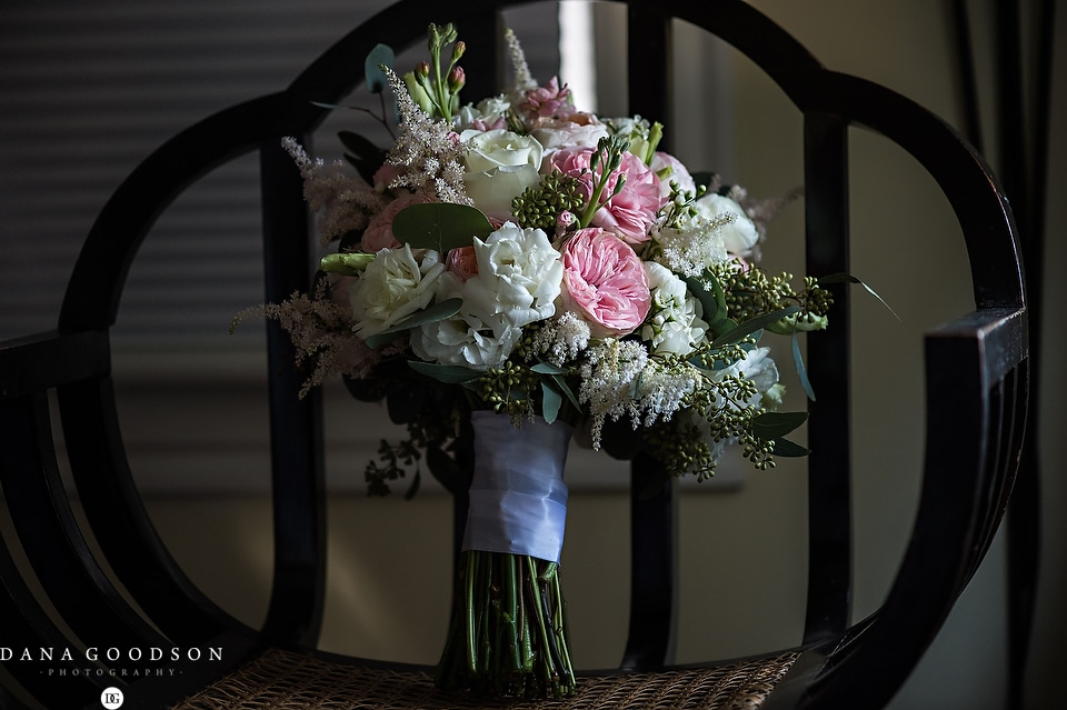 white room wedding | Caitlin & Steve | Dana Goodson Photography 004