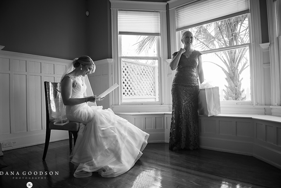 white room wedding | Caitlin & Steve | Dana Goodson Photography 018