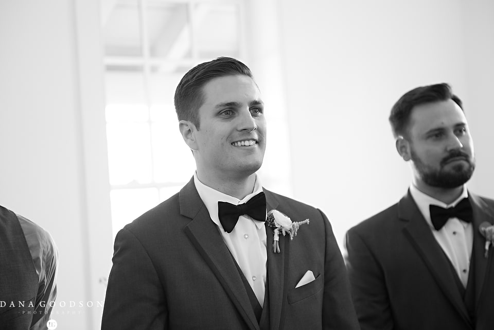 white room wedding | Caitlin & Steve | Dana Goodson Photography 049