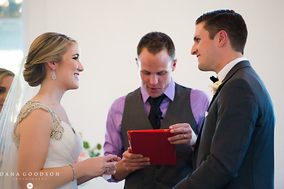 white room wedding | Caitlin & Steve | Dana Goodson Photography 058