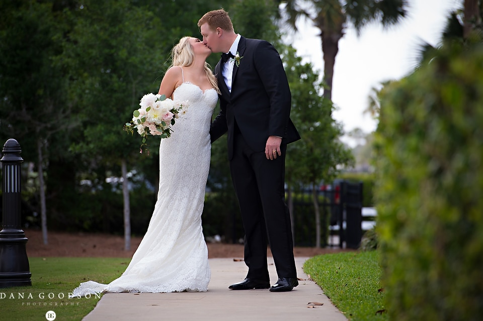 Ponte Vedra Inn & Club Wedding | Dana Goodson Photography | Lauren & Sam043