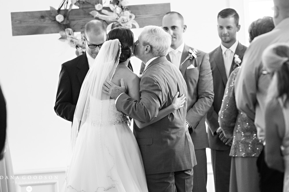 st-augustine-wedding-photographer-white-room-wedding-kelsey-greg-_037